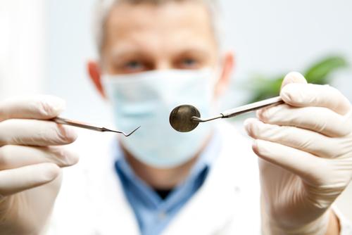 نیاز به دندانپزشک
