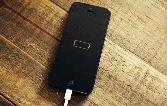 چه عاملی باعث زود خالی شدن باطری موبایل می شود؟